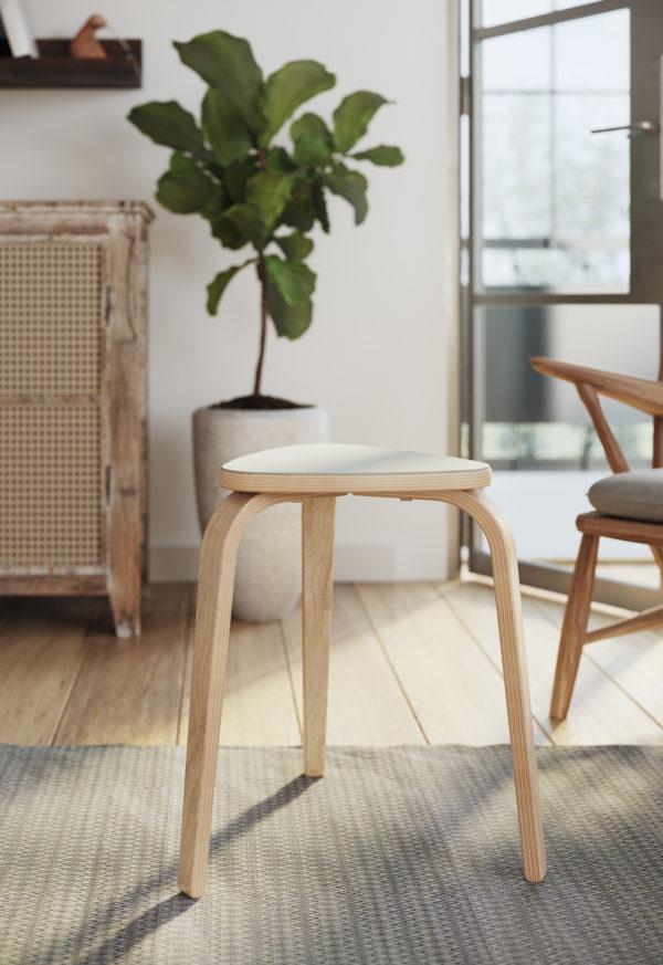 Linosa zelfklevend linoleum voor het houten krukje Ikea Kyrre